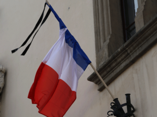 Krakow shows solidarity with France