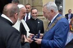 Pope received the key to Krakow's gates
