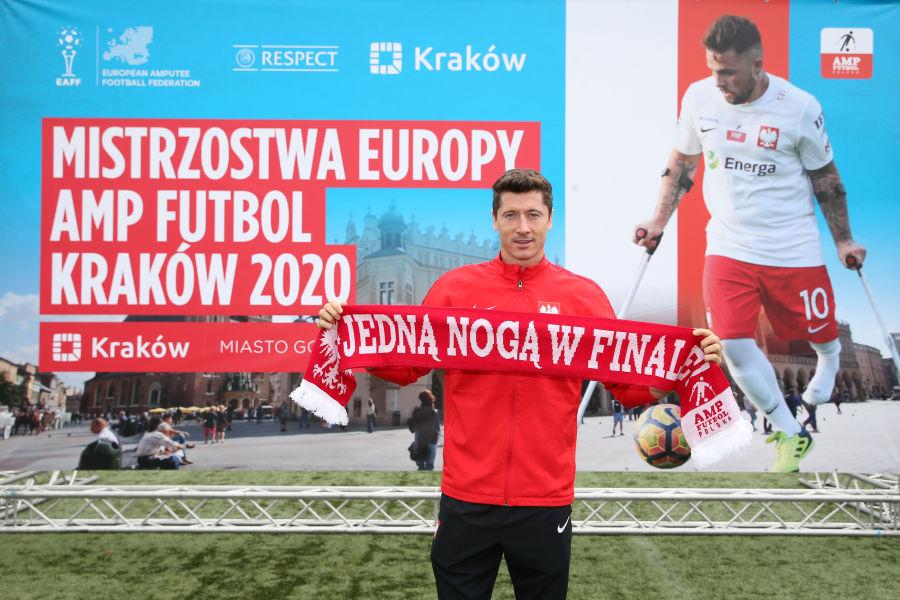 Lewandowski ambasadorem ME w Amp Futbolu