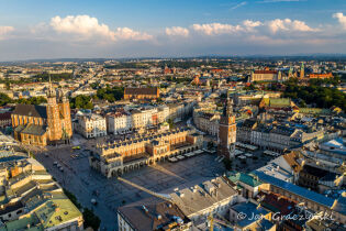 In search of tourists and new tourism. Tourism-friendly cities - Krakow in the European project